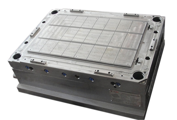 Personal cooler mould-009